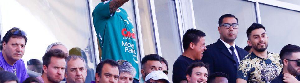 Visita real: Arturo Vidal entrenó con el plantel de Rodelindo Román